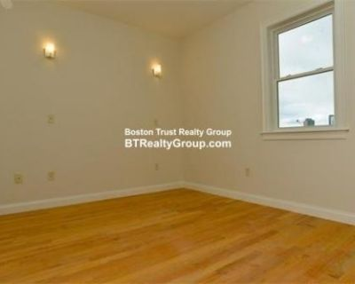 48 Dudley St Fort Hill, MA 5 Bedroom Condo Rental