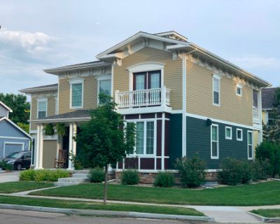 Cute home with Italianate exterior in small, creative town, Erie, CO