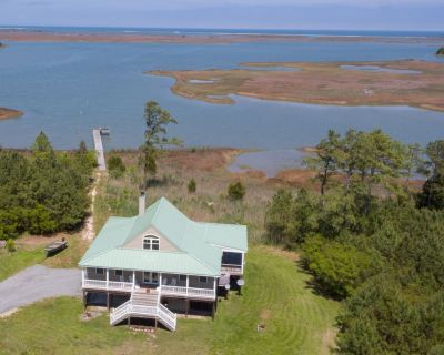 Private Waterfront Retreat on Winter Harbor - Port Haywood