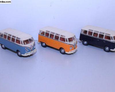 Malibu Collection 23 Window Bus Toys