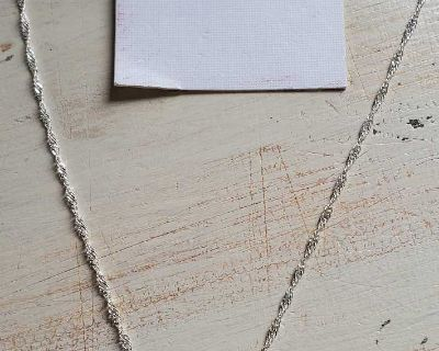 Emerald green color necklace and earrings set