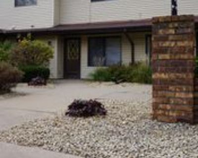 1554 Helmo Ave N, Maplewood, MN 55128 2 Bedroom Apartment