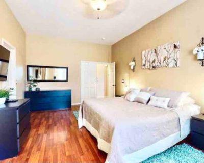4BR 'Mesa Haven' w/Pool, Adjustable Beds