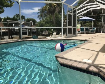 Iguana Cottage. Five minute walk to beach. On canal with pool. - Mid Island
