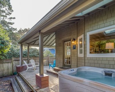 Custom 3-Bed Beauty has Wrap Porch, Hot Tub, Walk to Seaside Beach and Town! - Seaside