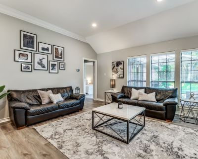 *Family-friendly 4BR house w/ patio & grill close to everything! - Fort Worth