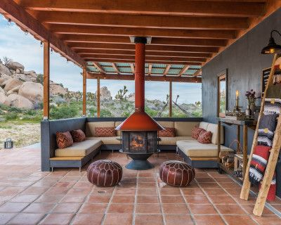 Private mid-century rustic ranch set in a Joshua Tree park like setting, PIONEERTOWN, CA