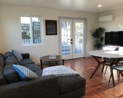 Beautiful, newly-remodeled 1 bedroom 1 bath private home in sunny Hermosa Beach! - Hermosa Beach