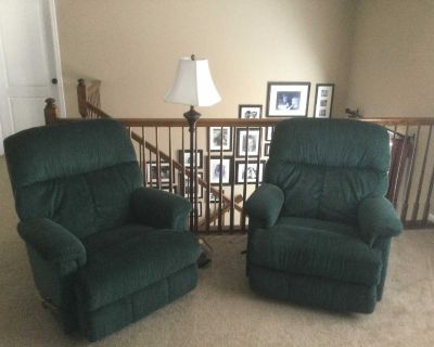 Set of 2 recliners