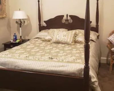 Private room with ensuite - Dallas , TX 75240