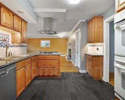 9024 Walnut St, Kansas City, MO 64114 1 Bedroom Condo