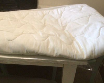 Twin Bed Mattress Cover - PICK UP IN UPLANDS - A Must See !!!