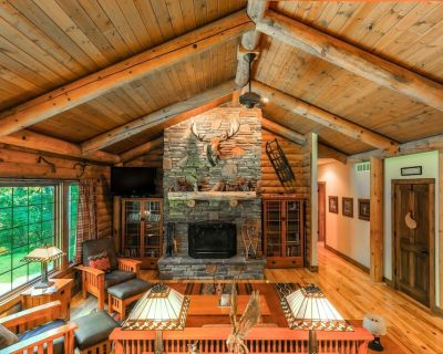 COZY CABIN HALF MILE FROM THE EXCITING FONTANA WATERFRONT! - Fontana-on-Geneva Lake