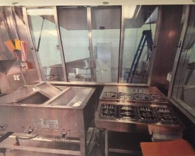 Mobile Kitchen Food Concession Trailer for Sales in Texas COMMERCIAL GRADE APPLIANCES - RHRH / na / 2016