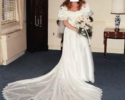 $199/Just Reduced-White Satin Princess Wedding Dress w/ Rose Crown Veil  (Size 10)