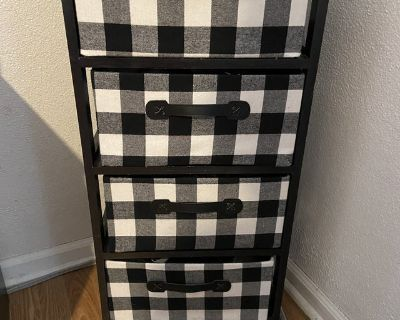 2-night stands with 4 drawers