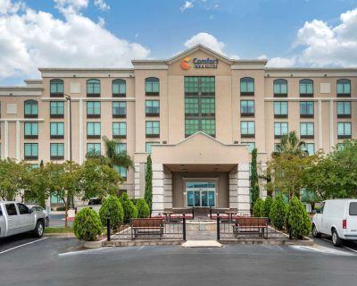 Comfort Inn & Suites - Kenner - Louis Armstrong International Airport