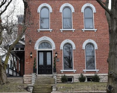 5,000 sq.ft. Historic Fletcher Place Home Heart of Downtown Indy & FOUNTAIN SQR! - Fletcher Place