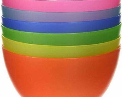 LOOKING FOR! Plastic baby bowls. Please message me if you have any!