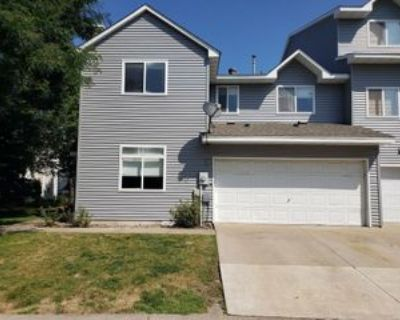 689 Woodduck Dr #Unit F, Maplewood, MN 55125 3 Bedroom Apartment