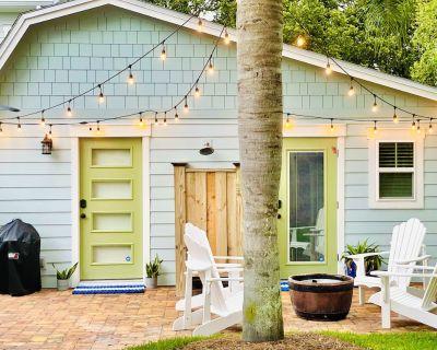 North Florida Jacksonville Crepe Myrtle Cottage (Tiny House) - Southside