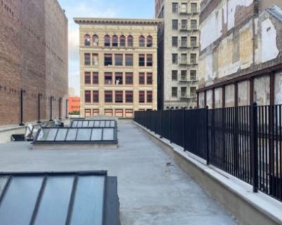 New York City-Style Rooftop in the Heart of DTLA, Los Angeles, CA