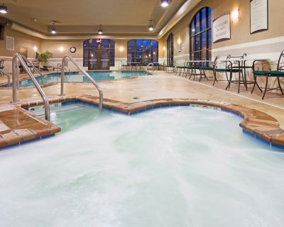 Indoor Pool + Hot Tub + Free Breakfast | Close to the Airport! - Franklin