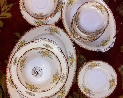 Bits 'n pieces of a China Set
