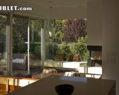 $1750 1 single-family home in West Los Angeles