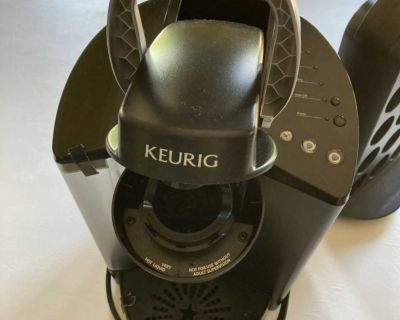 Keurig Classic coffee maker and K cup holder.