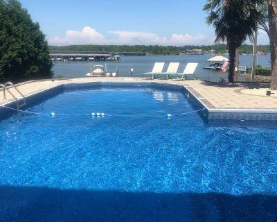 Luxury Lake House Pool Dock Beach Game room Boat Rental available - Steele Creek