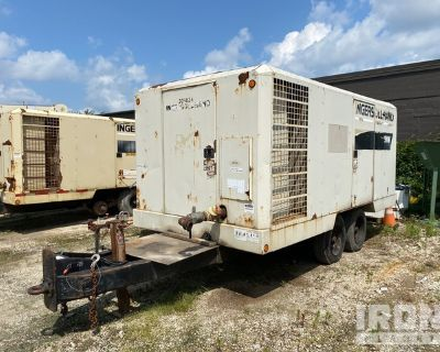 2000 Ingersoll-Rand XHP900 Mobile Air Compressor