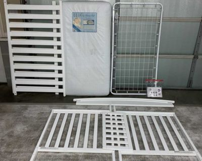 Delta 4 in 1 White Wood Infant Crib Toddler Bed W/ Mattress * See all pictures