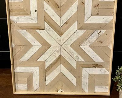Wood barn quilt