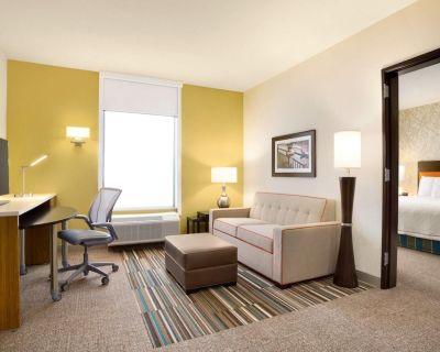 2-Bedroom Suite at Home2 Suites Hilton Birmingham Downtown by Suiteness - Five Points South