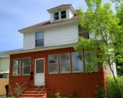 1021 North 4th Street, Mankato, MN 56001 2 Bedroom Apartment