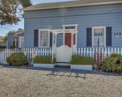 Upstairs duplex in the heart of Cayucos - steps to town and beach! Free WiFi! - Cayucos
