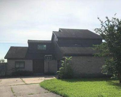 2701 Moss Ln, Deer Park, TX 77536