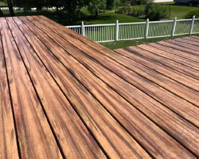 It's deck season! Contact us for a quote!