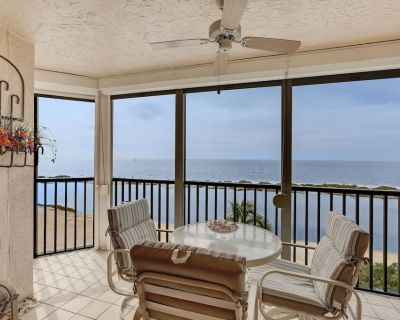 FALL DISCOUNTS! Watch the sunset from screened balcony, an adorable condo! - South Island