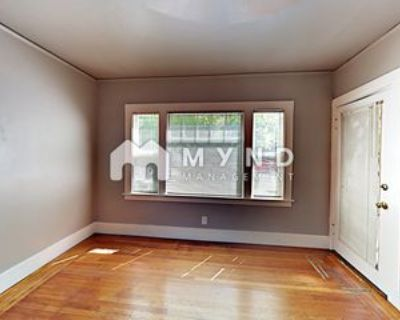 920 35th St #2, Sacramento, CA 95816 1 Bedroom Apartment