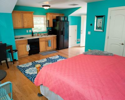 Walk to Everything in Midtown! Free Parking! - Home Park