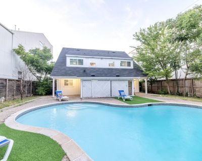 Luxury 2-bedroom with a pool near Galleria - Uptown