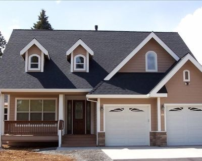 Modern, Family Friendly!Close to Lake and boat rentals! WIFI - Sleeps 10 - Plumas County