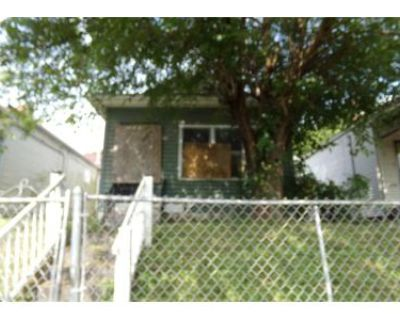 2 Bed 1 Bath Preforeclosure Property in Louisville, KY 40211 - S 28th St