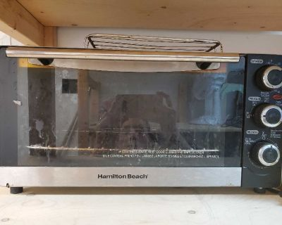 *FREE* Toaster oven **NOTE: needs good cleaning **