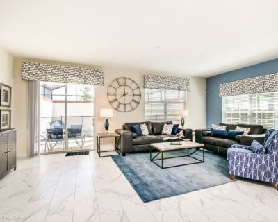 Luxury Furnished 5 Bedroom 4 Bathroom Town Home With Pool 8917SD - Champions Gate