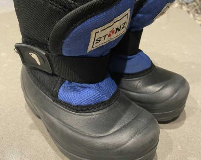 Stonz Winter Boots - Size T9