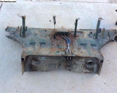 Karmann Ghia trunk panel, clip