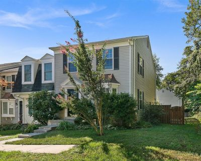 Top Rated Townhome - Largest Corner unit with Patio, Deck, Basement, and new Luxury Mattresses! Self checkin. Super Host support! Top Rated Townhome - Largest Corner unit with Patio, Deck, Basement, and new Luxury Mattresses! Self checkin. Flexible alterations (72 hr notice). Super Host support! - Countryside